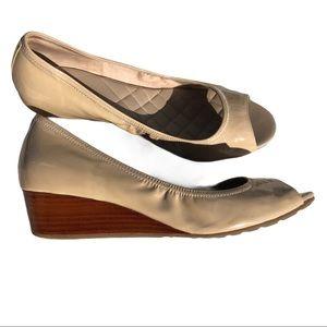 COLE HAAN open toe low wedge shoe
